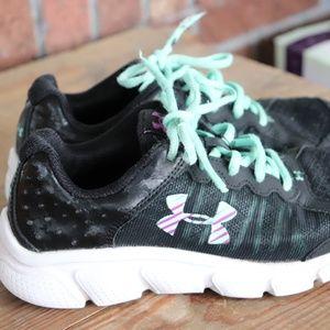 girls under armour shoes * size 3.5 * black / mint